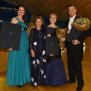 H.M. Queen Sonja with the QSIMC 2015 winners. Photo: Marius Nyheim Kristoffersen.